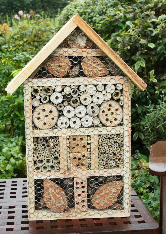 Bug Out House Plans : Woodwork bee boxes the lewbat pages